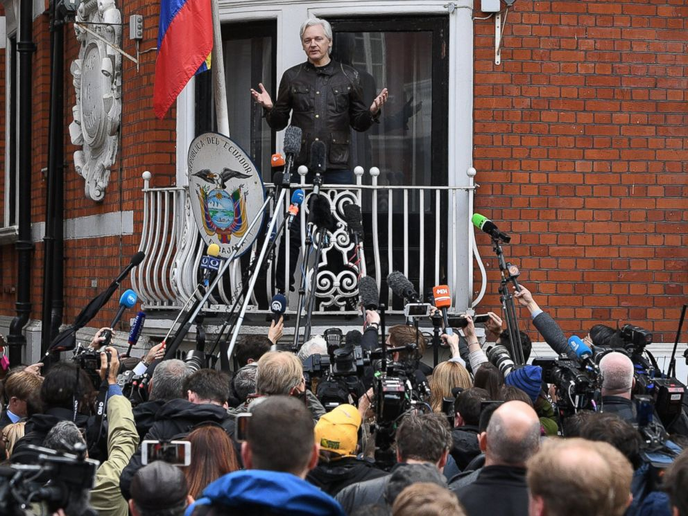 PHOTO: Wikileaks founder Julian Assange speaks to reporters on the balcony of the Ecuadorian Embassy in London, May 19, 2017.
