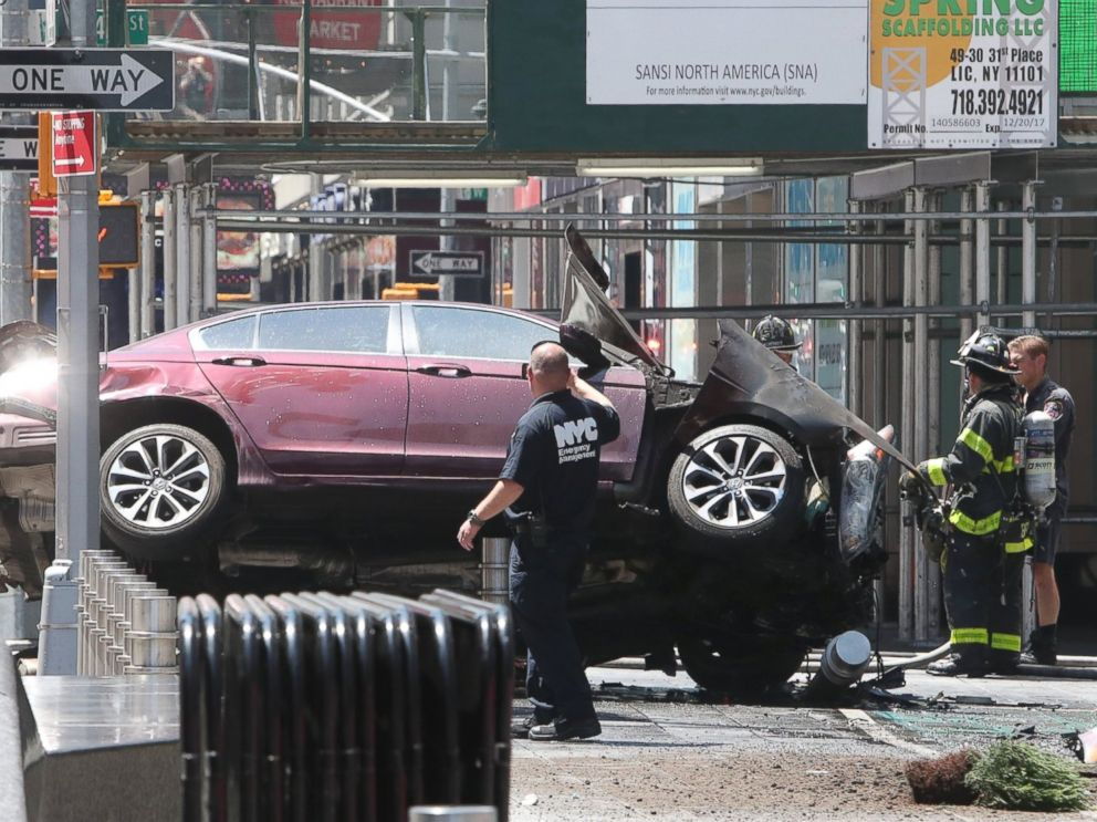 Car Plows Into Pedestrians In New York S Times Square