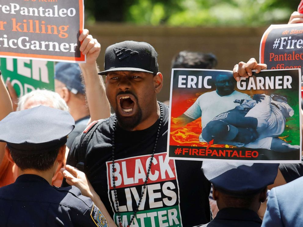PHOTO: Demonstrators protest during the disciplinary trial of police officer Daniel Pantaleo in relation to the death of Eric Garner at 1 Police Plaza in New York June 6, 2019.