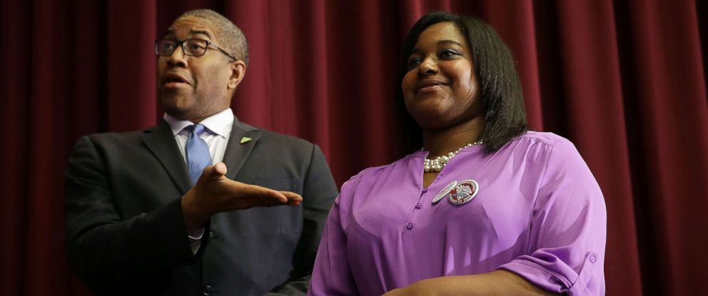 PHOTO: Erica Garner, (R), campaigns for Democratic presidential candidate Sen. Bernie Sanders during a campaign event at University of South Carolina, Feb. 16, 2016 in Columbia, S.C.