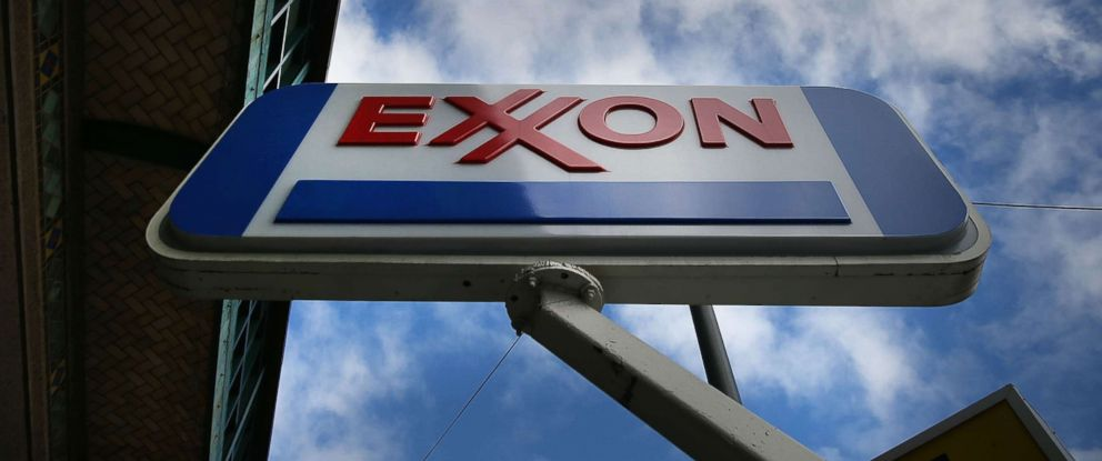PHOTO: A sign for an Exxon gas station stands in a Brooklyn neighborhood, Oct. 28, 2016, in New York.