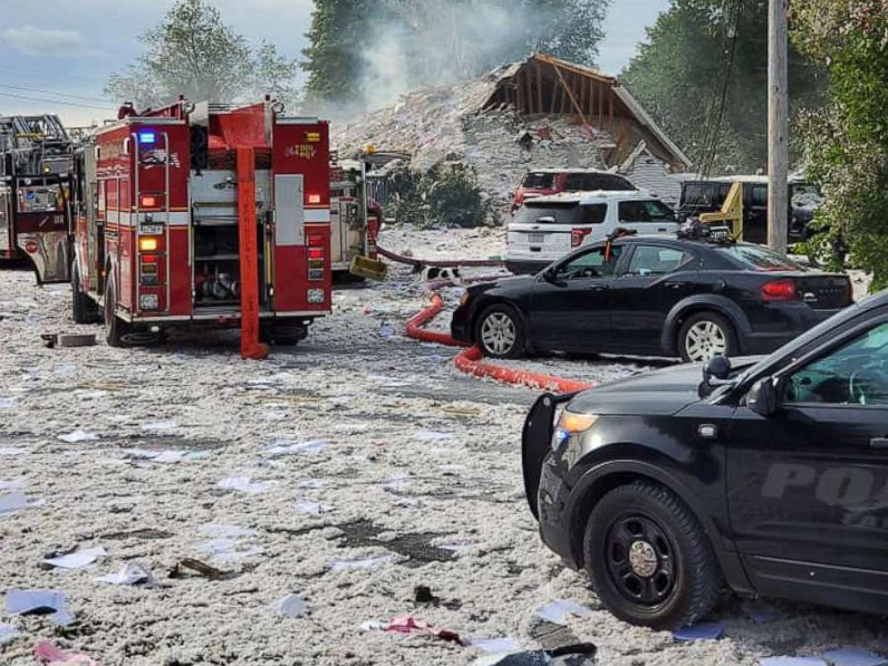PHOTO: First responders at the scene of an explosion in Farmington, Maine, Sept. 16, 2019.