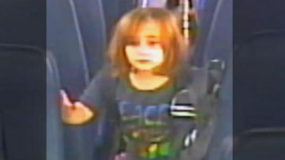 Polizei sucht Auto, wo 6-jährige Mädchen verschwunden