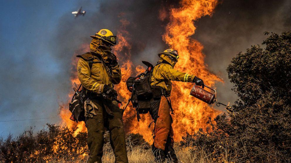 Kalifornien Waldbrände: 50.000, die die Evakuierung angeordnet, Hunderttausende, die macht zu verlieren