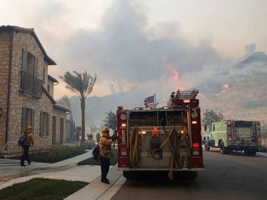 2 California firefighters injured battling Silverado Fire
