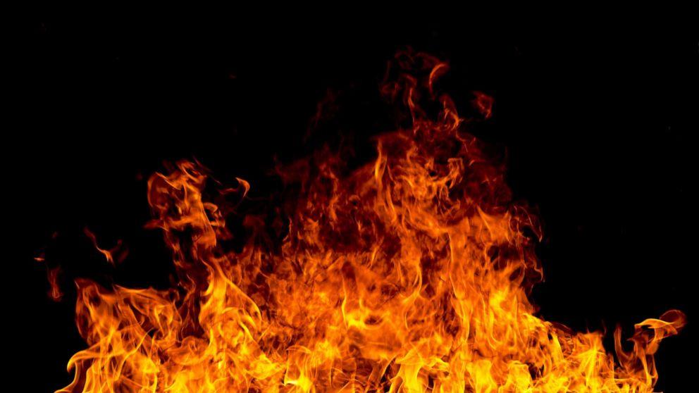 6 παιδιά και η μητέρα τους να πεθάνει σε πυρκαγιά που καταστρέφει το σπίτι