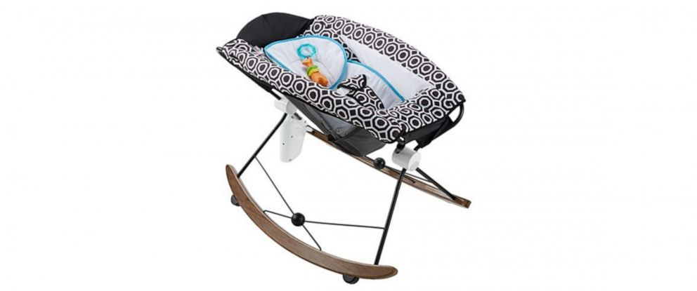PHOTO: Fisher-Prices Deluxe Rock n Play Sleeper.