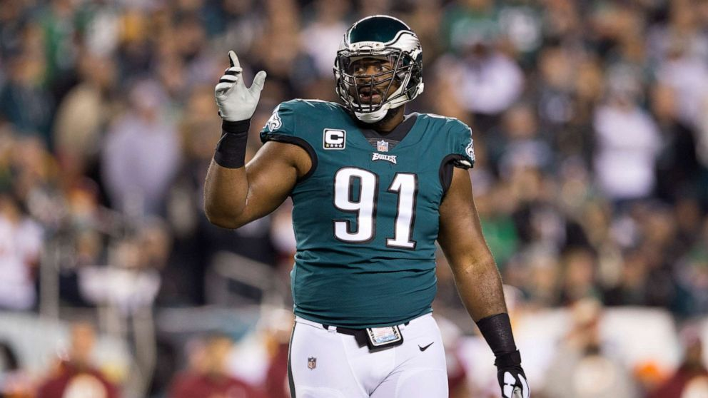 NFL player Fletcher Cox calls 911 as man allegedly attempts to ...
