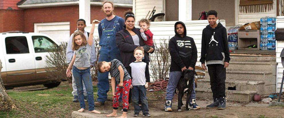 PHOTO: Jacob Uherek and Jamie Marshall live in Flint, Mich., with their seven kids.