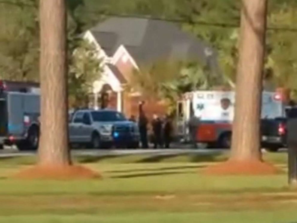 One officer dead, four hurt after shooting in SC