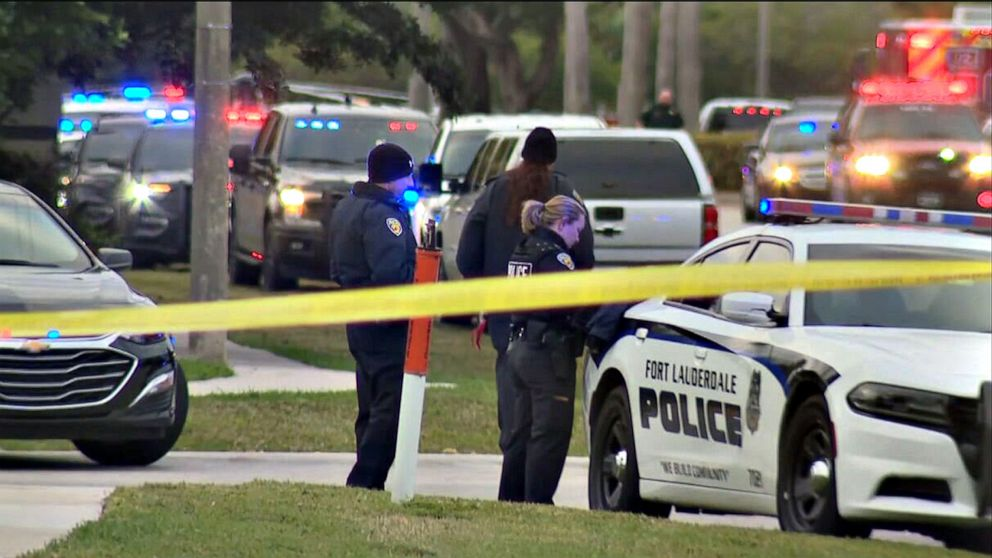 2 FBI agents killed, 3 hurt in shooting while serving warrant in Florida -  6abc Philadelphia