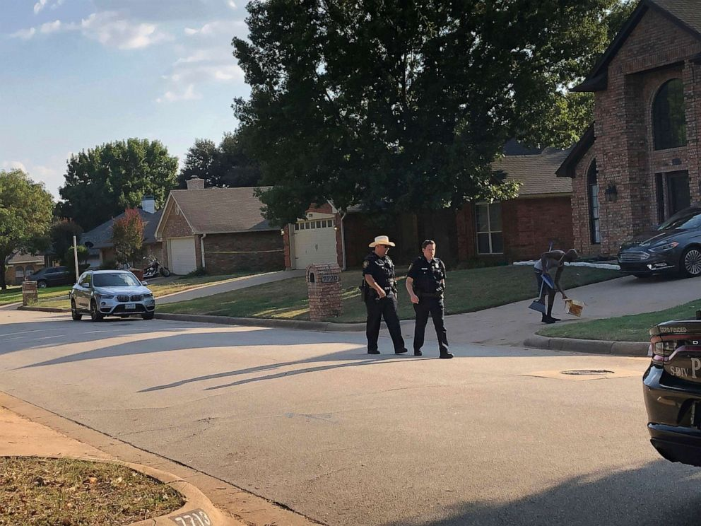 PHOTO: Fort Worth police respond to a shooting, Sept. 15, 2019, in Forth Worth, where a 4-year-old was shot and killed.