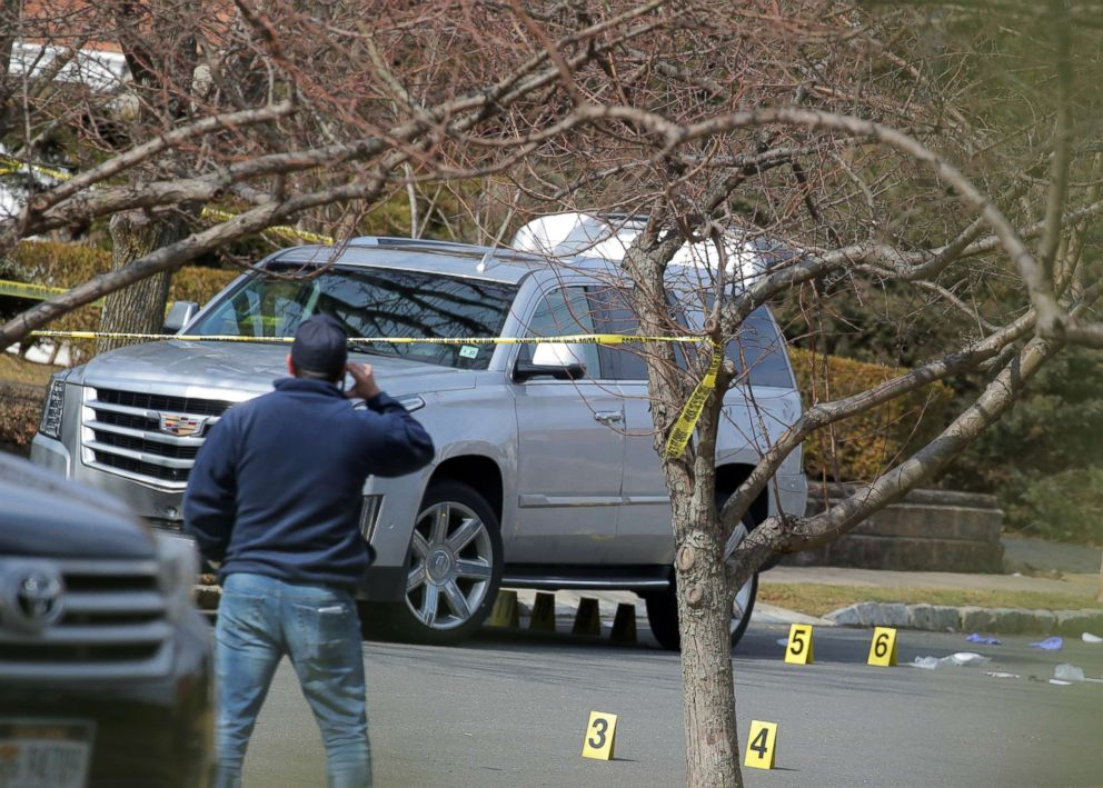 PHOTO: New York City Police officers investigate the scene where reported New York Mafia Gambino family crime boss Francesco Franky Boy Cali was killed outside his home in the Staten Island borough of New York, March 14, 2019.
