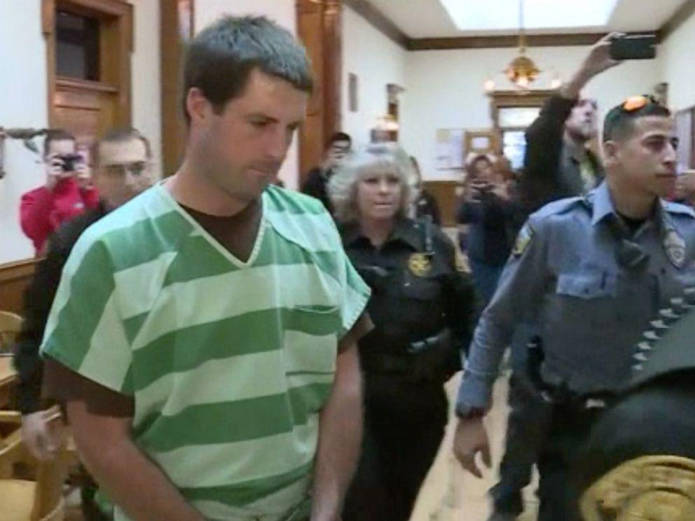 PHOTO: Patrick Frazee is seen heading into court.