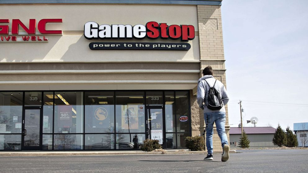 Gamestop Going Out Of Business 2020.Gamestop To Close Up To 200 Stores By The End Of The Year