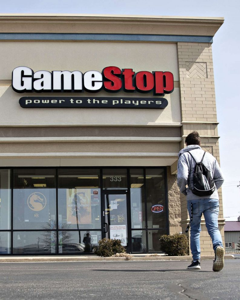 Gamestop To Close Up To 200 Stores By The End Of The Year After Decline In Sales Abc News