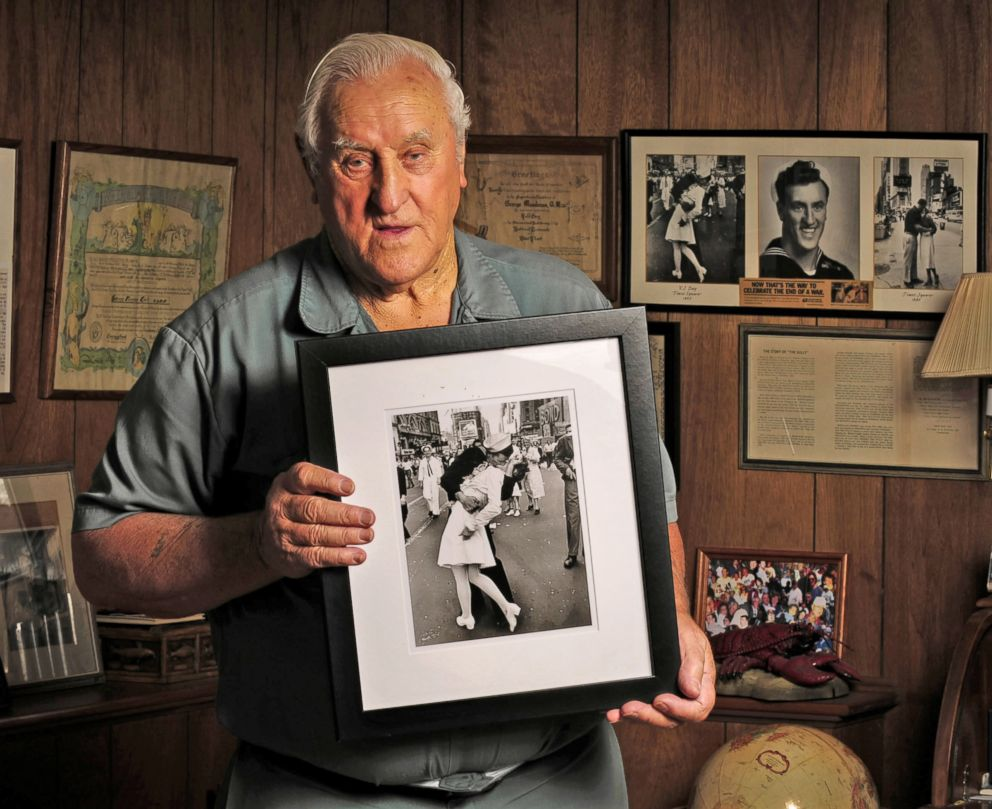 PHOTO: George Mendonsa holds one of the most iconic photographs of the 20th century at his Middletown, R.I., Oct. 23 2012.