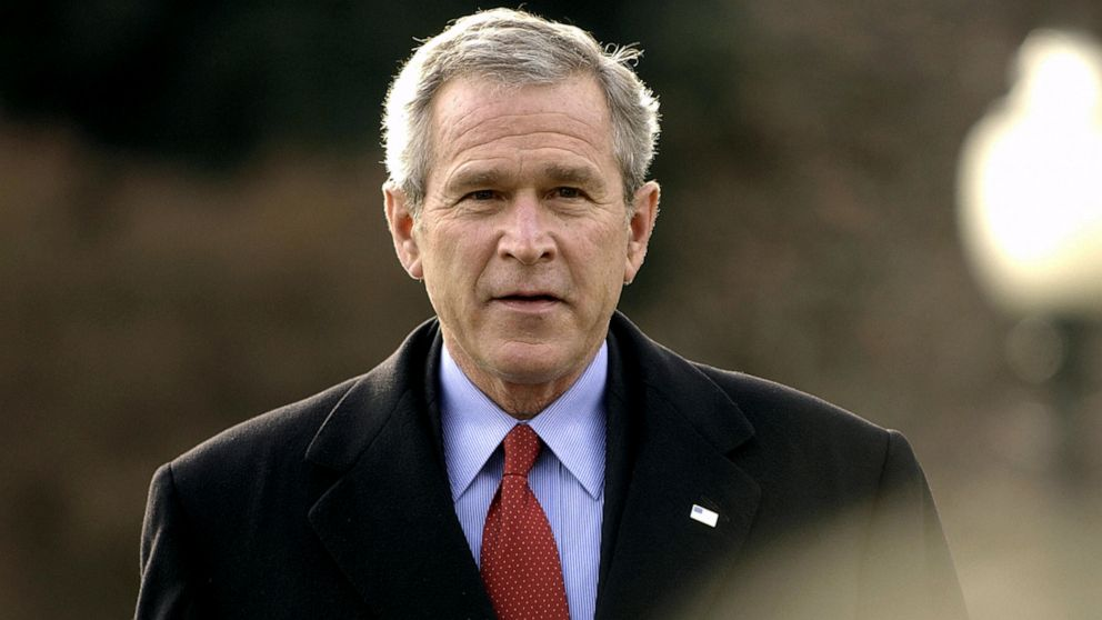 PHOTO: President George W. Bush walks towards microphones to speak to the press, Dec. 22, 2005 at the White House.