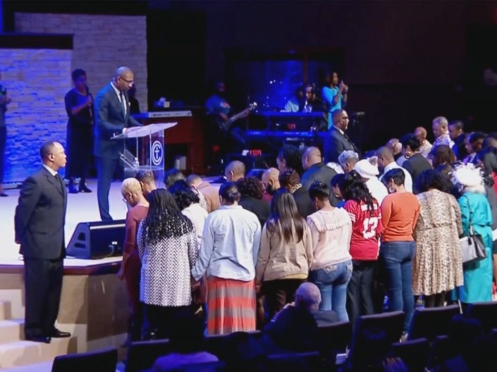 PHOTO: Federal workers who attend the Concord Church in Dallas were given $100 Walmart gift cards during the morning service on Jan. 13.