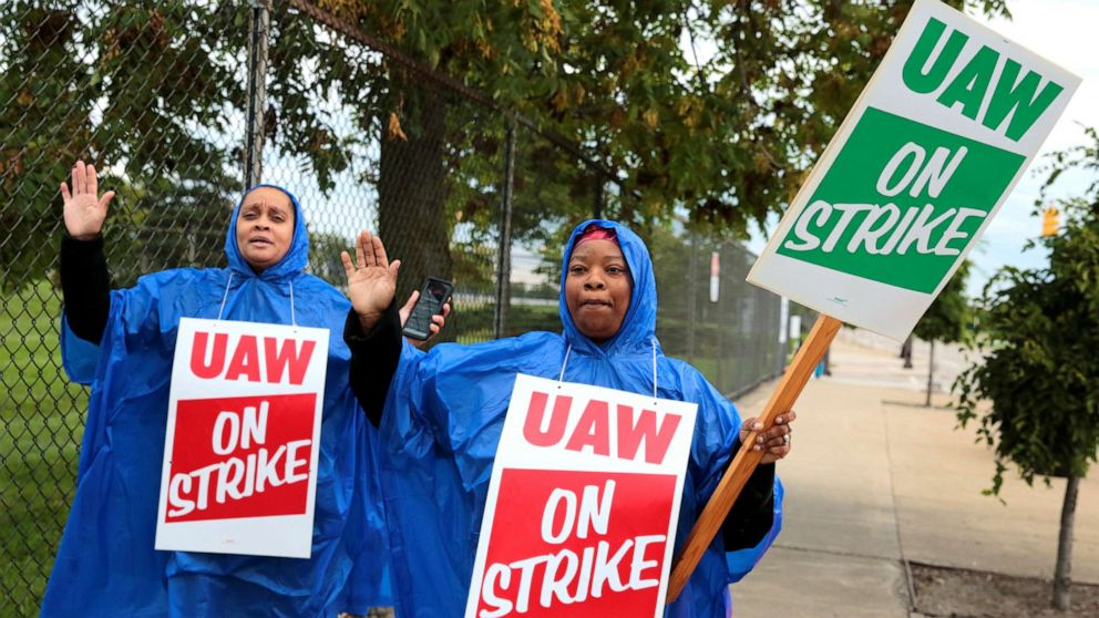 More than 49,000 UAW members to go on strike against General Motors thumbnail
