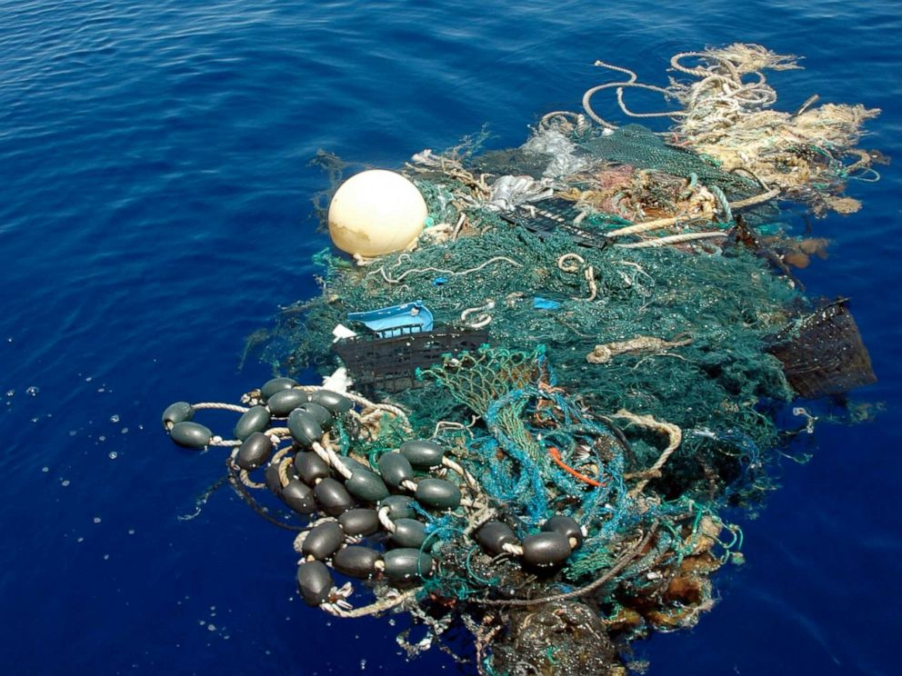 PHOTO: A patch of sea garbage adrift in the Pacific Ocean, Aug. 11, 2009.