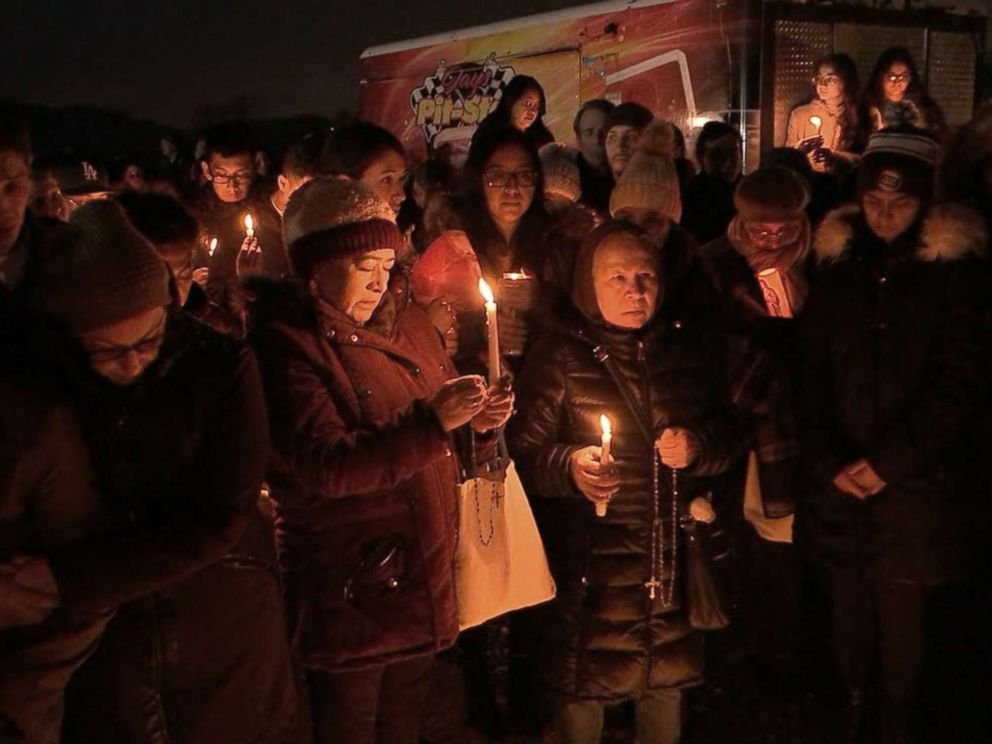 PHOTO: People gather at Glen Island Park in New Rochelle, New York, for a vigil in honor of Valerie Reyes, whose body was found in a suitcase along a Connecticut road, Feb. 7, 2019.