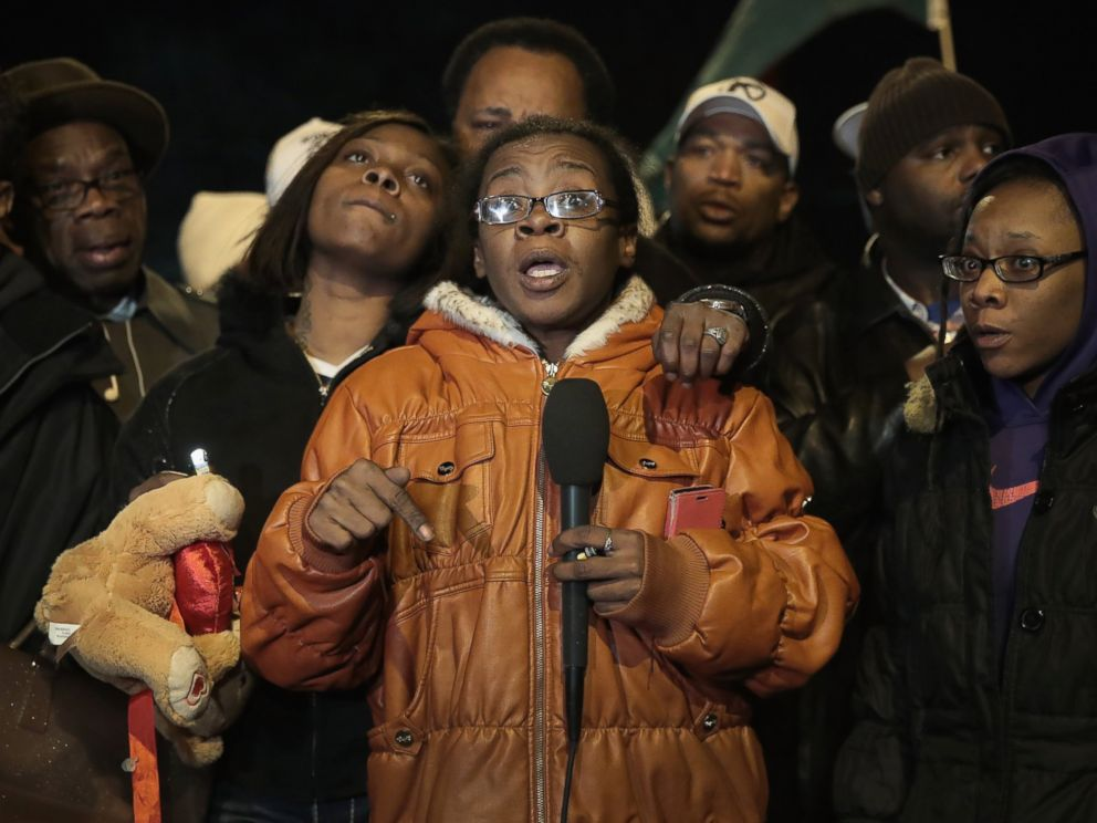 PHOTO: Nakeeia Williams speaks during a vigil in the Park Manor neighborhood to honor her 11-year-old daughter, Takiya Holmes, who died after being shot by a stray bullet while riding in a car with her mother last Saturday on on Feb. 14, 2017 in Chicago.