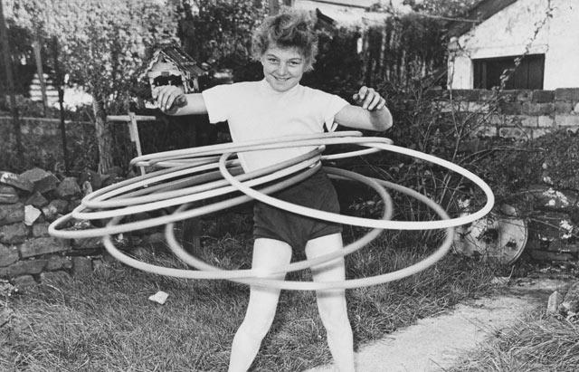 the history of the hula hoop craze photos abc news. Black Bedroom Furniture Sets. Home Design Ideas