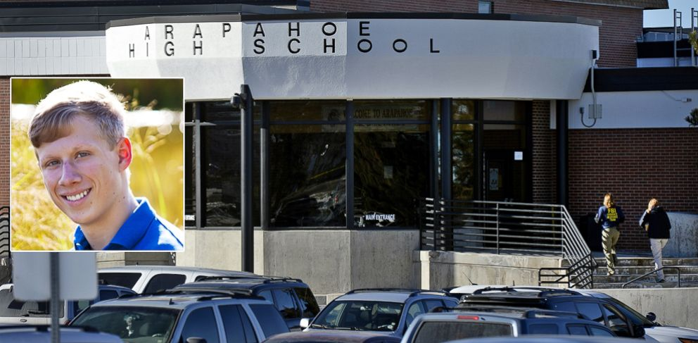 PHOTO: Investigators enter Arapahoe High School in Centennial, Colo., Dec. 14, 2013, where Karl Pierson shot a fellow student before turning his weapon on himself.