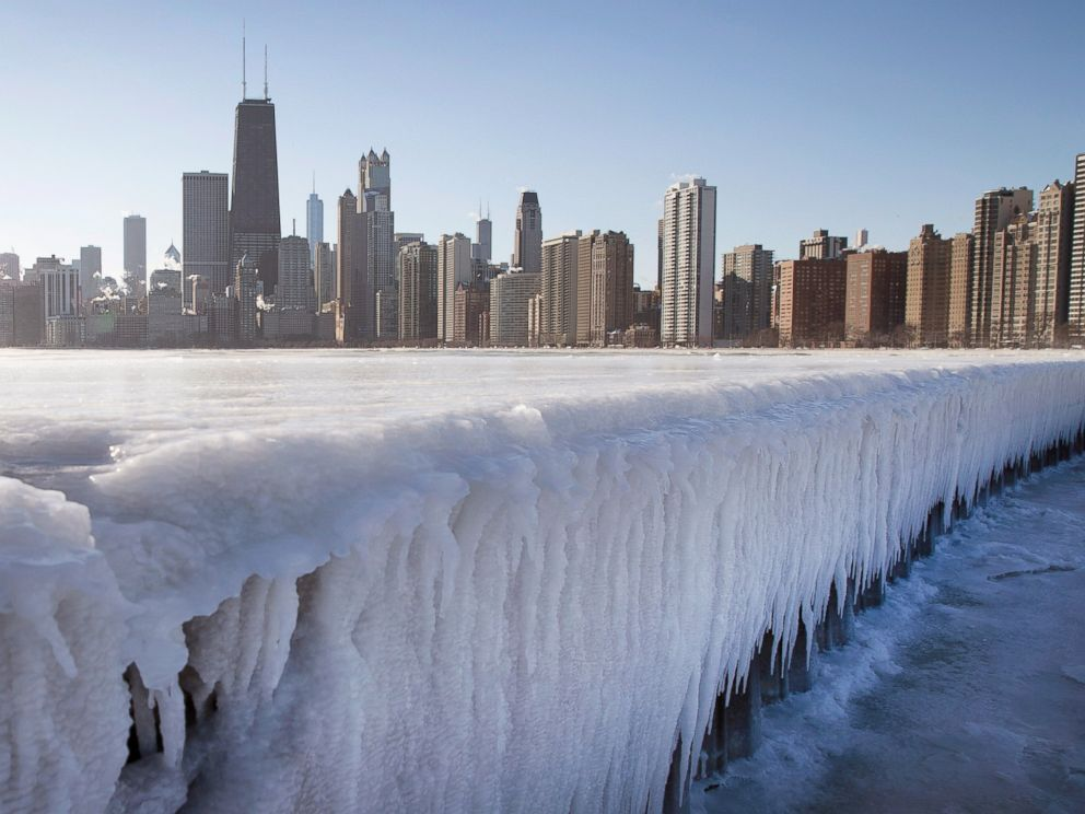 PHOTO: Ice builds up along North Avenue Pier while temperatures hovered around zero degrees Fahrenheit on Jan. 7, 2015 in Chicago, Ill.
