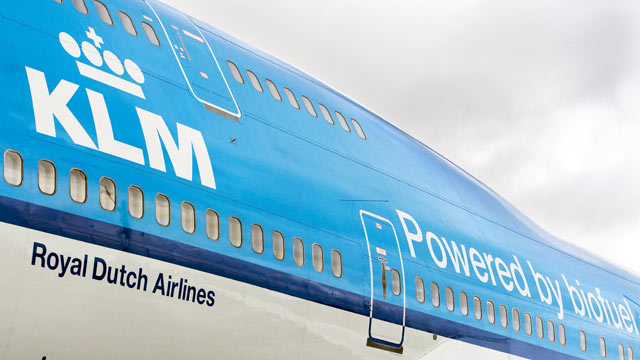 """PHOTO: KLM hopes to roll out the """"Social Seating"""" policy in 2012."""
