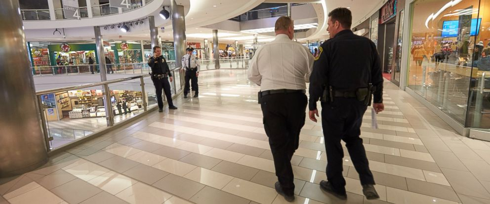 PHOTO: Mall of America Director of Security Major Doug Reynolds and Bloomington Police Chief Jeff Potts walk the mall during a tour of Mall of America security systems on Feb. 23, 2015 in Bloomington, Minn.