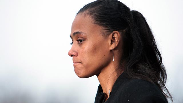 PHOTO: Marion Jones gives a brief statement to the press after she leaves court Jan. 11, 2008, in White Plains, New York.
