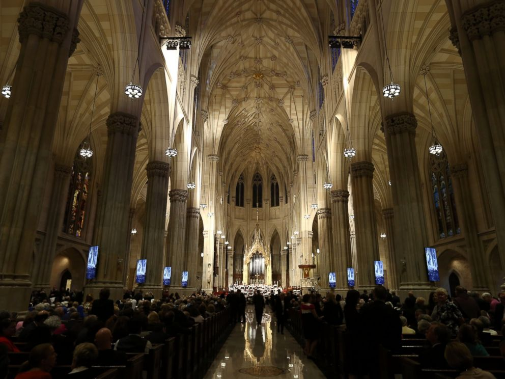 PHOTO: People gather in St Patricks Cathedral ahead of the arrival of Pope Francis on Sept. 24, 2015 in New York.