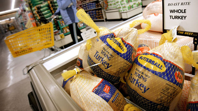 PHOTO: Turkeys are for sale at a grocery store in Omaha, Nebraska.
