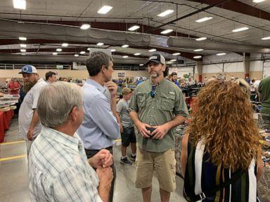 2020 hopeful Beto O'Rourke visited an Arkansas gun show to talk about gun control