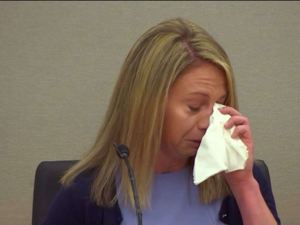 PHOTO: Amber Guyger cries on the stand during court proceedings, Sept. 27, 2019.
