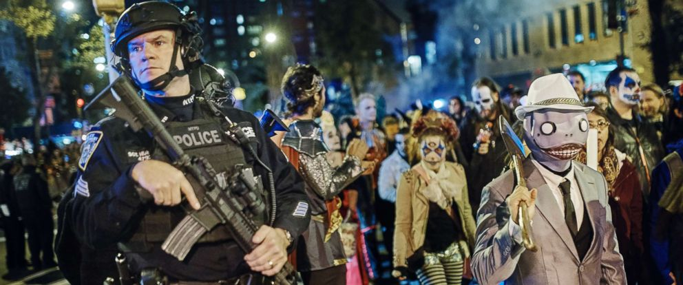 New York City Halloween Parade.Nyc Halloween Parade Marches On New Yorkers Defiant In The Face Of