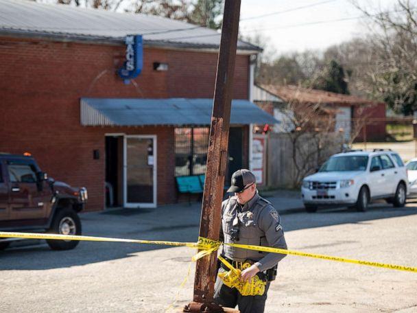 South Carolina bar shooting leaves at least 2 dead, 5 injured