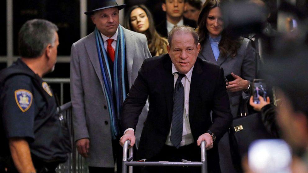 Γουάινστιν δίκη ανοίγει με τη δίωξη λεπτομέρειες, την άμυνα και την αξίωση της αγάπης μηνύματα ηλεκτρονικού ταχυδρομείου