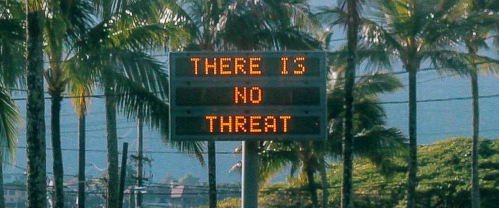 """PHOTO: An electronic sign reads """"There is no threat"""" in Oahu, Hawaii, after a false emergency alert that said a ballistic missile was headed for Hawaii, in this Jan. 13, 2018 photo obtained from social media."""