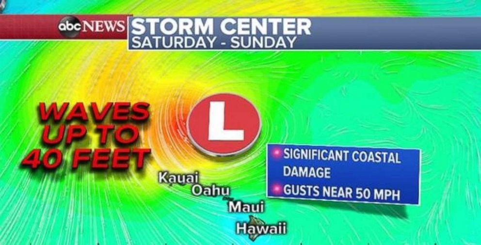 PHOTO: Waves up to 40 feet are possible near Hawaii.