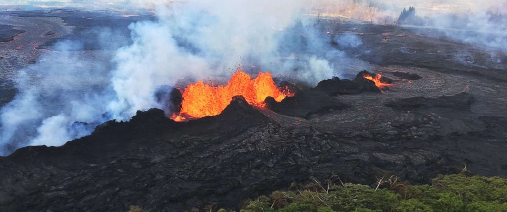PHOTO: The fissure complex remains active in Kilauea Volcanos lower East Rift Zone, Hawaii, May 22, 2018.