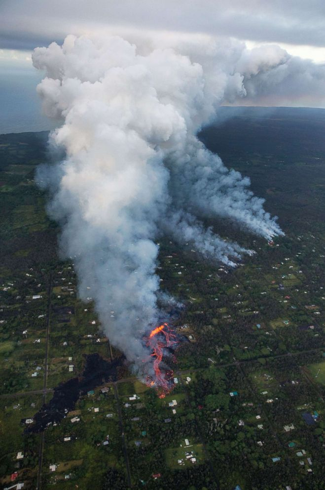 PHOTO: Activity continues on Kilaueas east rift zone, as fissure eruptions in Leilani Estates release toxic gases, near Pahoa, Hawaii, May 6. 2018.
