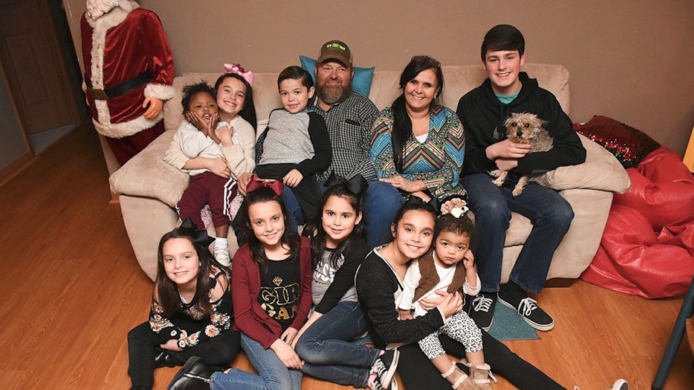 Arkansas mom talks adopting nine siblings, becoming family