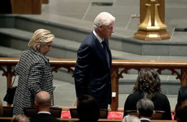 PHOTO: Accompanied by his wife, Hillary Clinton, left, former President Bill Clinton arrives at St. Martins Episcopal Church for a funeral service for former first lady Barbara Bush, April 21, 2018 in Houston.
