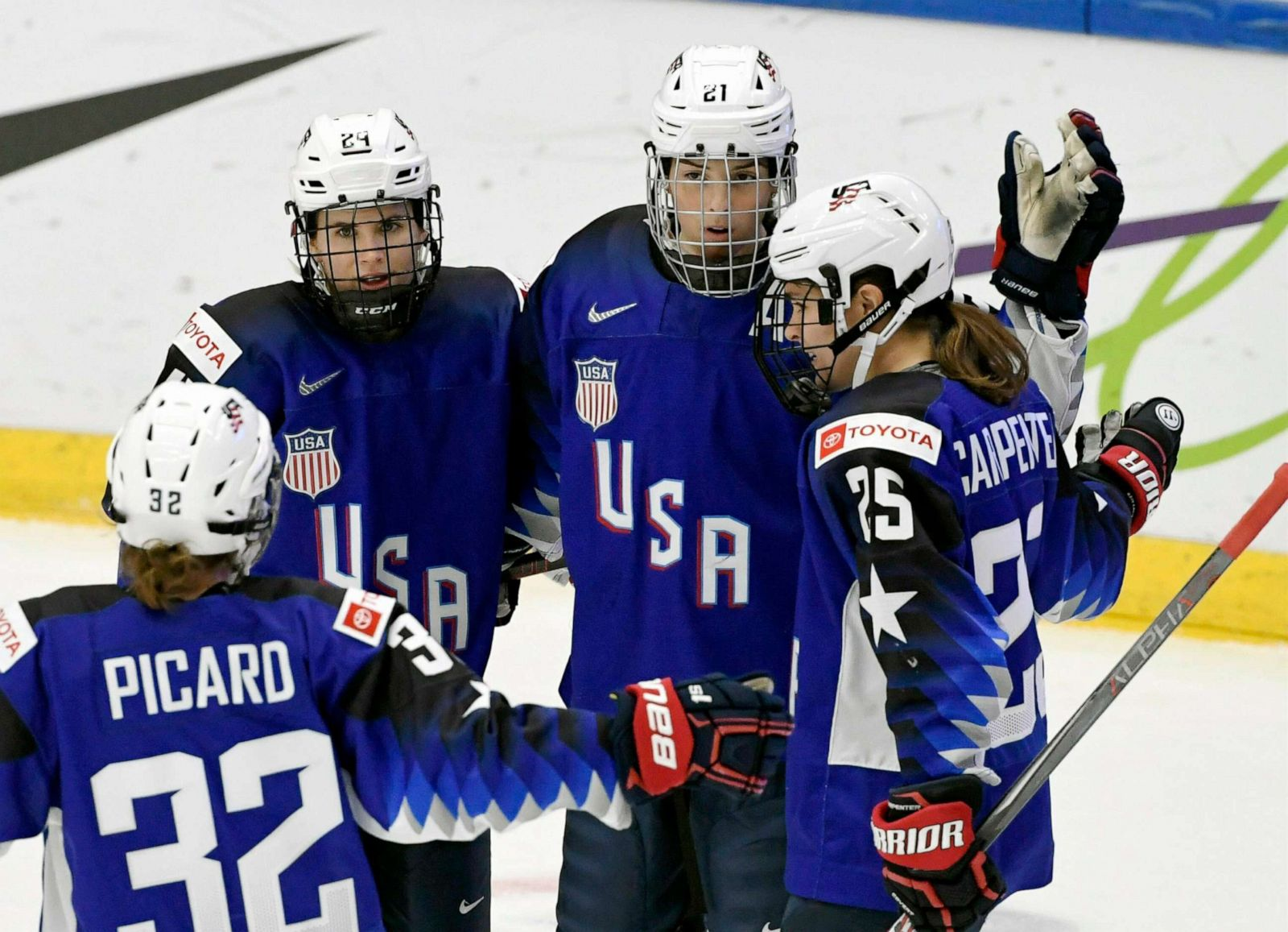 Us Women S Hockey Players Dominate World Competitions But Push For
