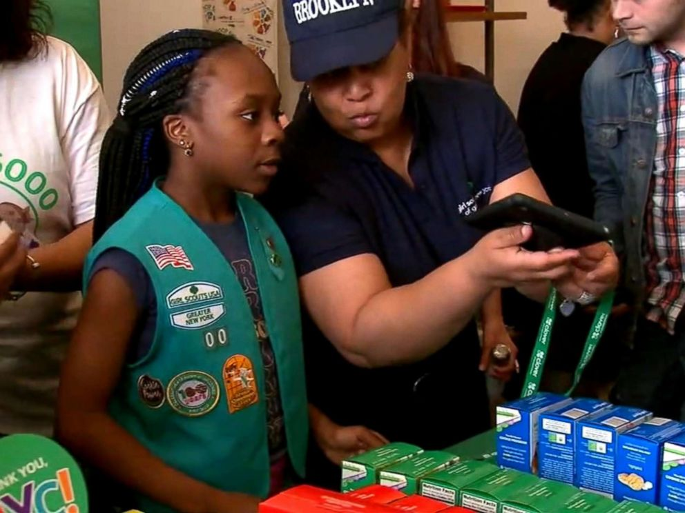 Mississippi Girl Scouts donate cookies to local heroes