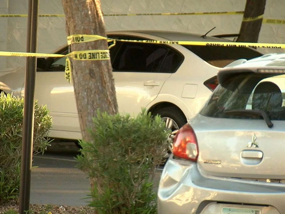 PHOTO: Authorities respond to reports that an 18-month-old girl was left in a hot car in Glendale, Ariz., April 22, 2019.