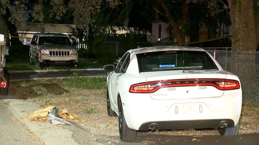 1-jährige stirbt, nachdem er Links im Auto den ganzen Tag, die Markierung 50-hot-car-Tod Jahr